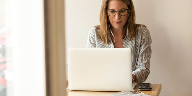 Most freelancers are millennials, but retirees are quickly catching up| Business Insider
