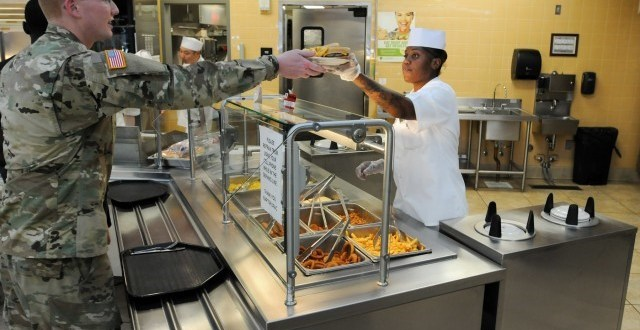As Army wastes millions in food allowances, campus-style dining gains traction | Army Times
