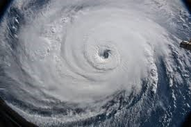 A Navy SEAL's tips for surviving a hurricane | Military Times