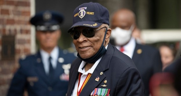 Black Force Recon Marine, battlefield commission, Vietnam War hero… snubbed for the Medal of Honor? | Marine Corps Times