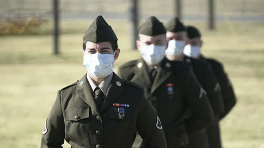 These are the first soldiers to graduate from basic training rocking the Army's new 'pink and greens' uniform | Task & Purpose
