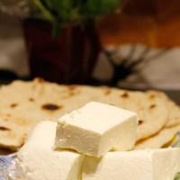 Hjemmelaget ost med yoghurt