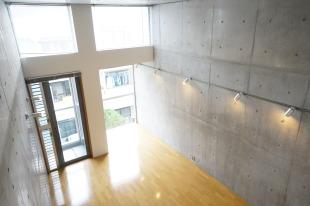 【募集終了】中目黒駅2分、天井高3.8m、デザイナーズ、以上。