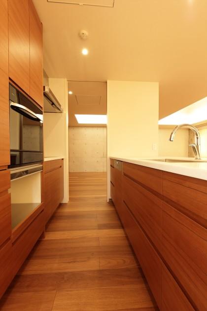 aura_omotesando-301-kitchen2-sohotokyo
