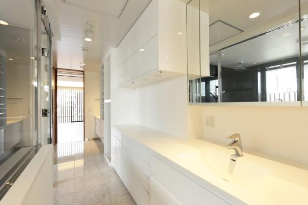 aura_omotesando-401-bathroom1-sohotokyo