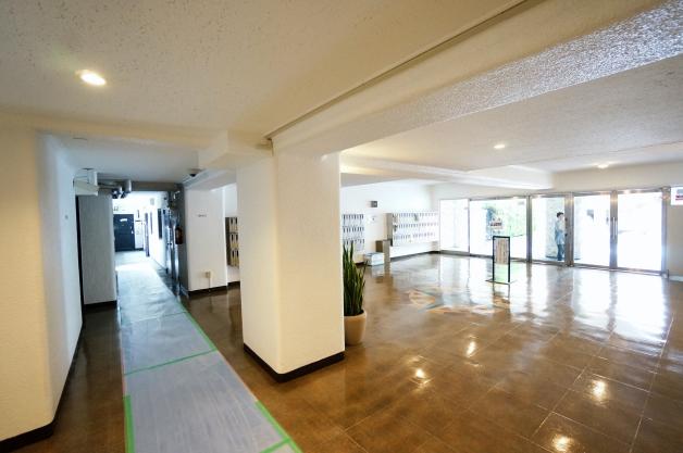 shuwa_daikanyama_residence-entrancehall-01-sohotokyo