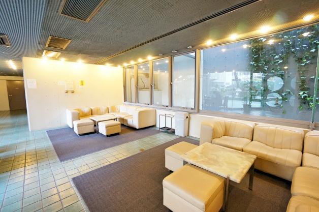 villa_moderna-A406_407-entrance-01-sohotokyo (1)