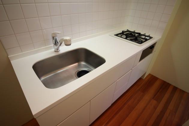 luceria-301-kitchen-01-sohotokyo