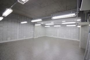 【募集終了】南青山骨董通り裏手の地下オフィス、天井高3.65m