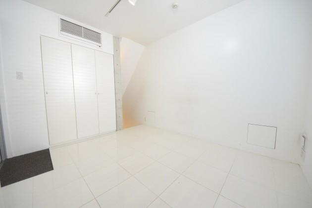 moderiaBrut_omotesando-001-room02-01-sohotokyo.JPG