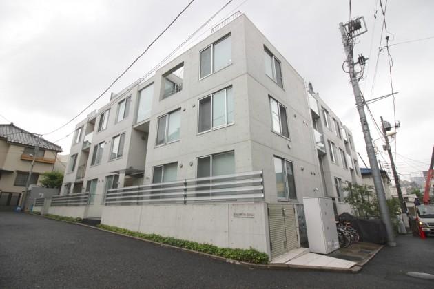moderiaBrut_omotesando-facade-02-sohotokyo (1)