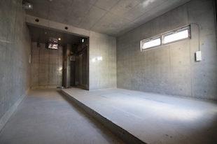 【募集終了】学芸大学。コンクリートファサードの無機質空間