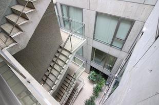 【募集終了】市ヶ谷。吹き抜けが印象的なデザインオフィス。