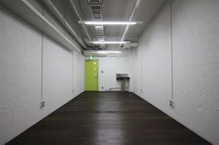 代々木公園駅2分。天高2.7mコンパクトリノベ空間