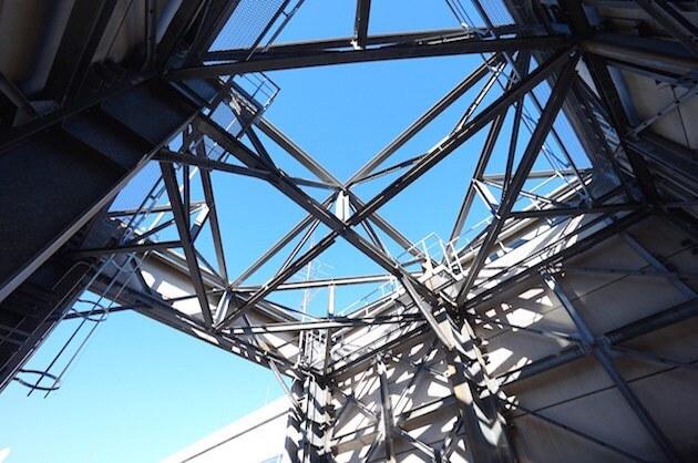 市ヶ谷、天高3.7mのオフィス空間と専用屋上テラス