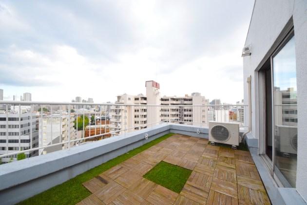 megurohighhome-1401-balcony-01-sohotokyo