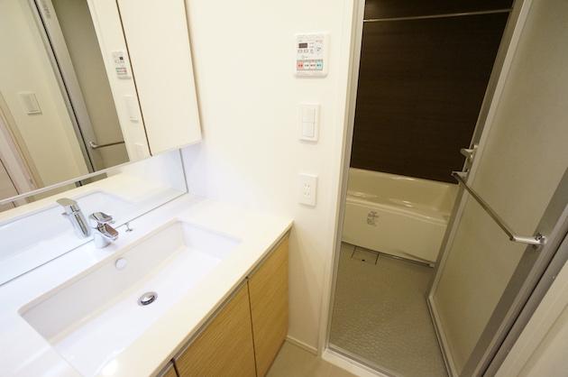 parkhabio_ebisu-701-bathroom-01-sohotokyo