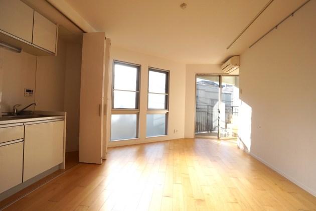 shilvanhill-B-1F-livingroom-02-sohotokyo
