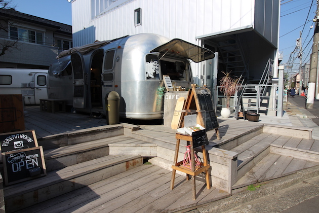 カフェ訪問:The AIRSTREAM GARDEN
