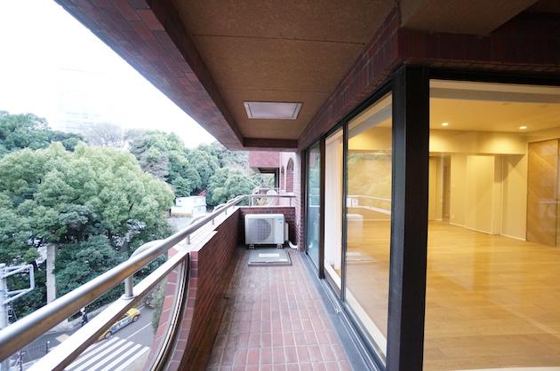 【募集終了】永田町、緑の薫る好立地と高感度フルリノベSOHO