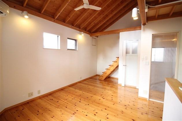 shirokanedai_kodate-2F-livingroom-03-sohotokyo