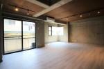 コンクリートと木、調和のとれたモダンなSOHO。<p>[目黒区/21万/40㎡]