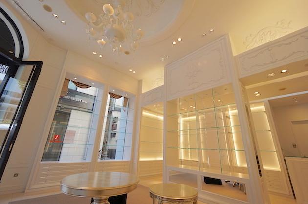 【募集終了】西麻布、通り沿いの1階。こだわりの内装を設えて。