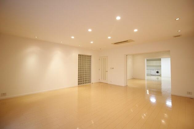 【募集終了】乃木坂、大型メゾネット空間で贅沢なSOHOライフを