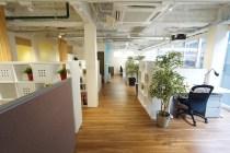 【募集終了】赤坂2分。会議室と家具が付いたガラス張りの築浅オフィス。