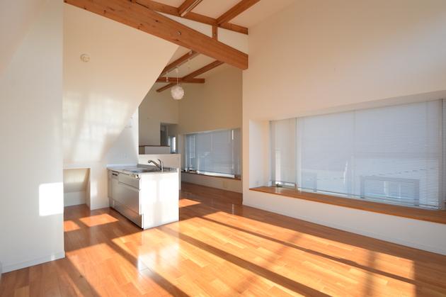 【募集終了】三軒茶屋。ナチュラルな内装に光が差し込むデザイナーズ戸建。