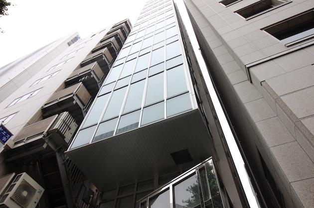 【募集終了】京橋。ガラスファサードが印象的な築浅オフィス