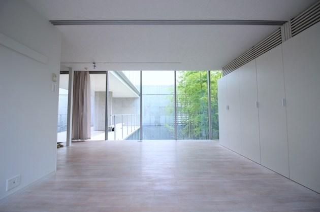 成城学園、抜け感のある開放的なデザインを纏って