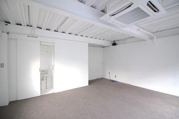 【募集終了】神宮前、キラー通り裏の純白ショールームと地下空間