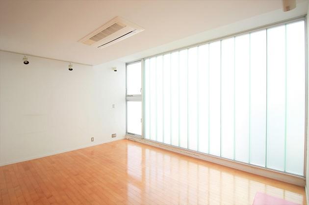 【募集終了】青山一丁目4分。柔らかな日が射す爽やか空間。