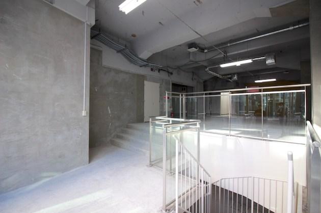 赤坂見附駅出口前、天井高のあるメゾネット路面区画<p>[港区/275万/309㎡]