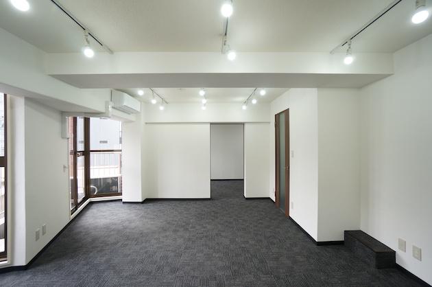 【賃料改定】小川町4分。採光豊かなリノベオフィス。