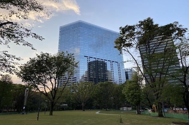 西新宿、ハイグレードビルをリーズナブルに借りる<p>[新宿区/63万/113㎡]