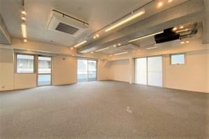 渋谷。角地に佇むメゾネットオフィス。<p>[渋谷区/¥ASK/192㎡]