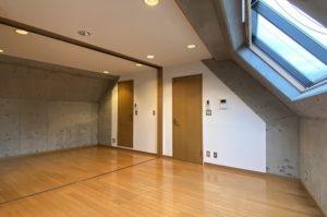 代官山駅徒歩6分。閑静な住宅地に佇むSOHO空間。<p>[渋谷区/18万円/40㎡]