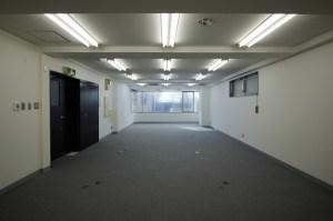 原宿。湾曲した窓のワンルームオフィス<p>[渋谷区/40万/69㎡]