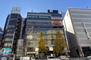 伊勢丹隣。新宿の歴史を見つめる200坪ビル<p>[新宿区/520万〜/688㎡〜]