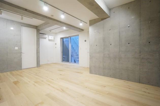 【募集終了】三軒茶屋、自然光を取り込むデザイン地下空間