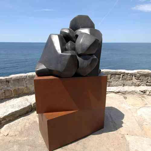 Cascade-180x-80cm-BRONZE-[bronze,outdoor]-Clara-Hali-australian-outdoor-sculpture-abstract--body-bronze