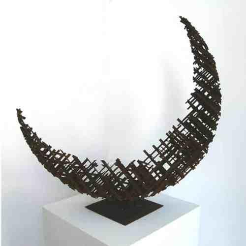Crescent-Cross-85x85cm-MILD-STEEL-[table-top,-outdoor]-Matt-Carney-Australian-Moon-Sculpture