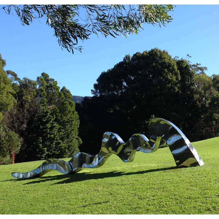FLOW-Large-800cm-POLISHED-STAINLESS STEEL-[stainless-steel,landmark]-stephen Coburn-australian-large garden-sculpture