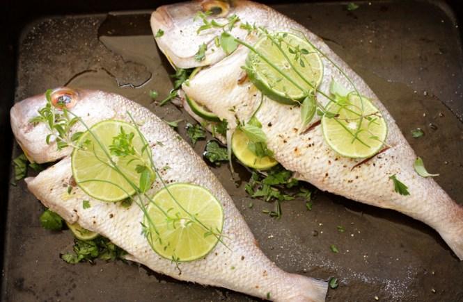 cela riba pečena u rerni