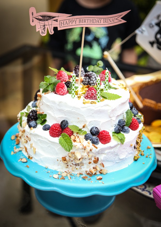 Torta od badema i malina