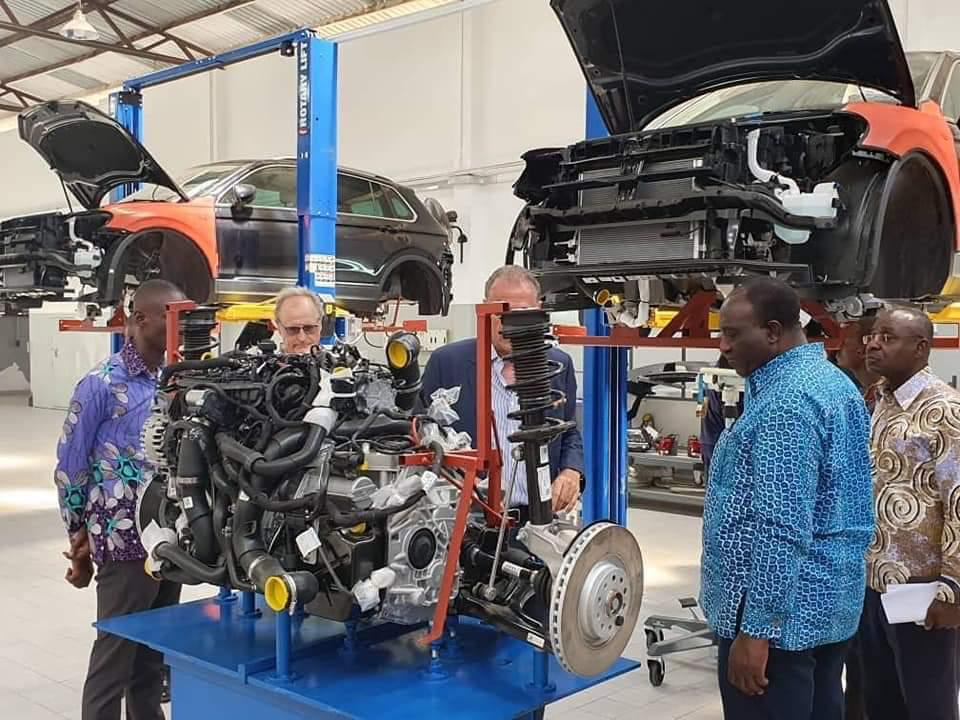 Minister for Trade and Industry, Alan Kyerematen inspects VW Cars