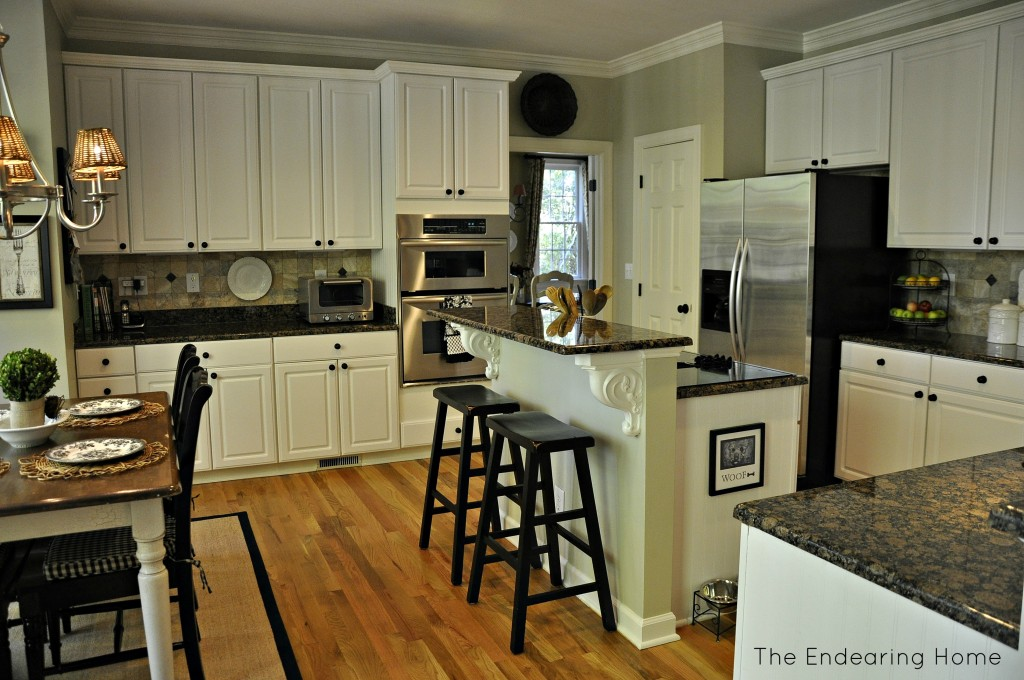Baltic Brown Granite White Cabinets Backsplash Ideas on Backsplash For Maple Cabinets And Black Granite  id=82080