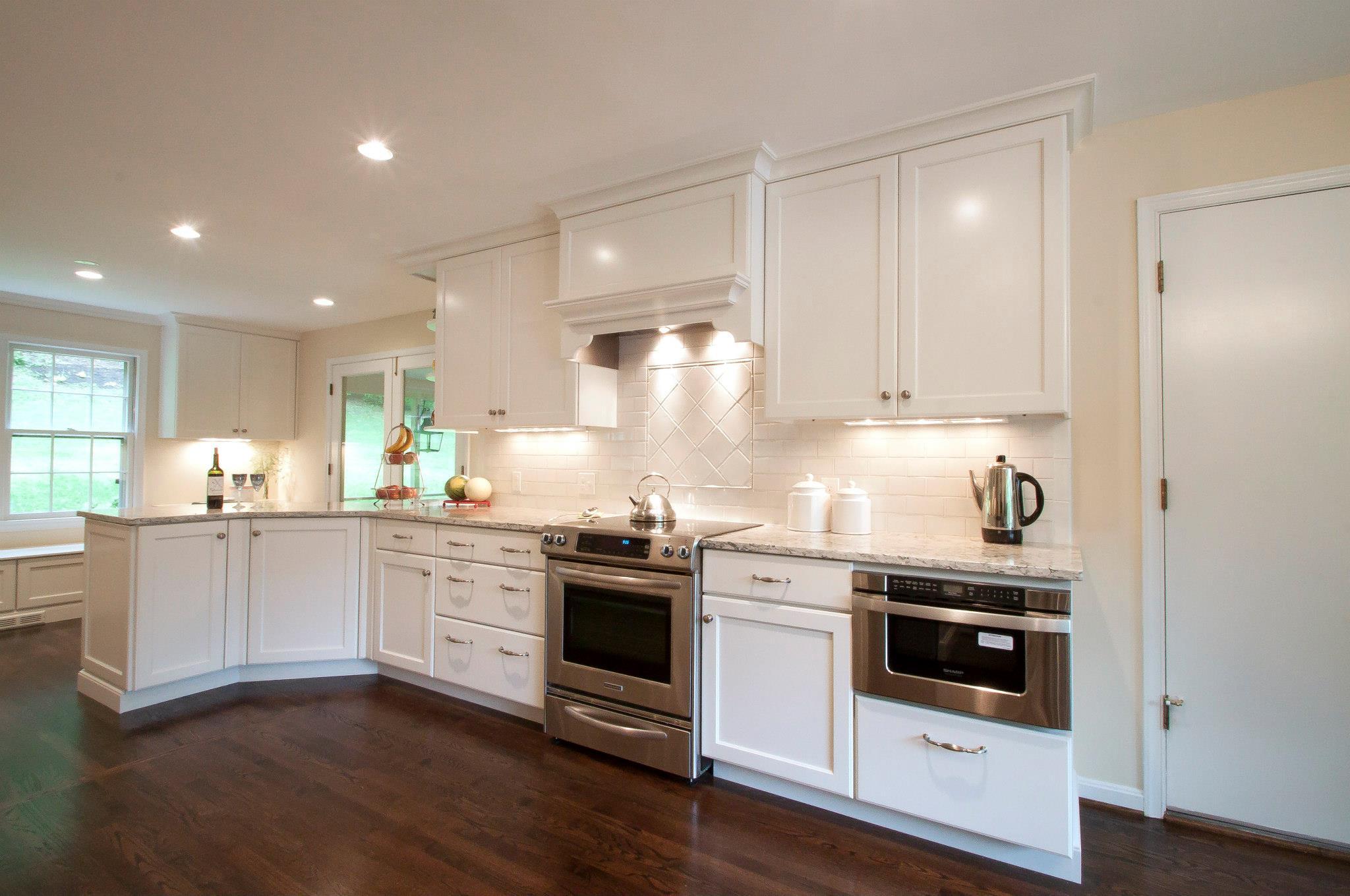 Cambria Praa Sands White Cabinets Backsplash Ideas on Backsplash Ideas For White Cabinets And Black Granite Countertops  id=27794